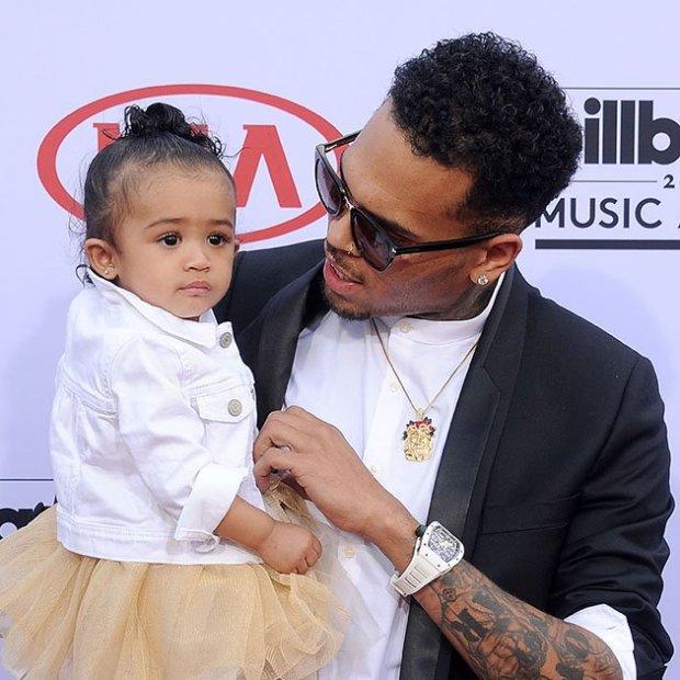Chris Brown doszedł do porozumienia z matką swojego dziecka. Para wspólnie zaopiekuje się małą Royalty.