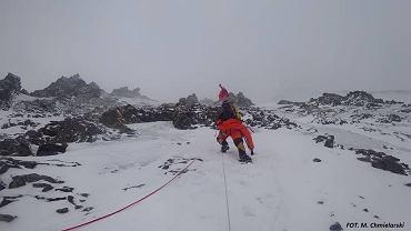 Wspinaczka na K2 w zimie