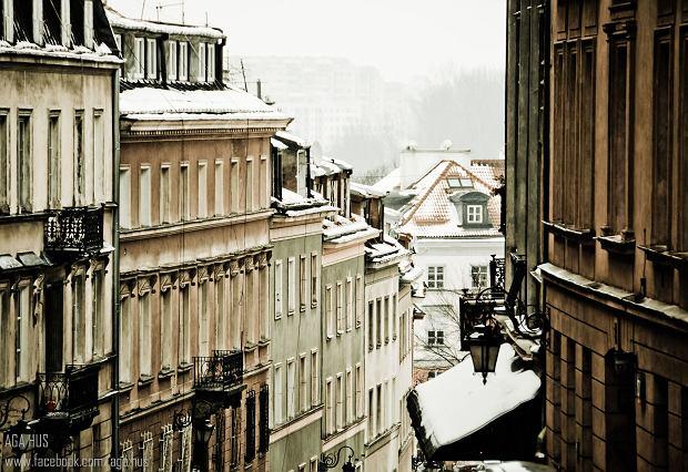 > Quartier de Mariensztat à Varsovie : Ulica Debnarska en hiver - Photo de Aga Hus