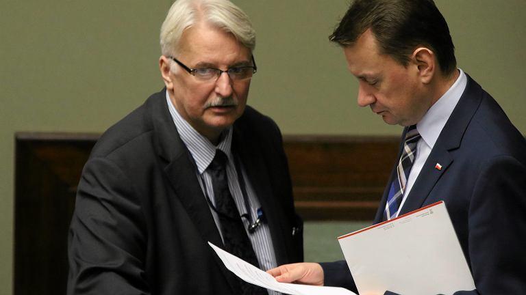 Minister spraw zagranicznych Witold Waszczykowski i minister spraw wewnętrznych Mariusz Błaszczak