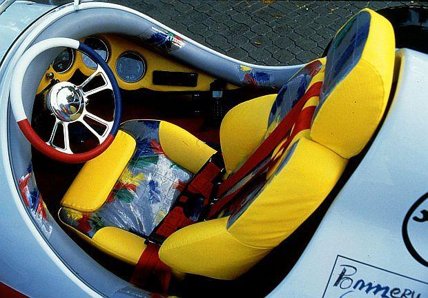 to pierwszy jednomiejscowy samochód na świecie z homologacją drogową.