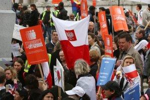 Komisja Europejska ostrzega Londyn przed dyskryminacj� imigrant�w z UE