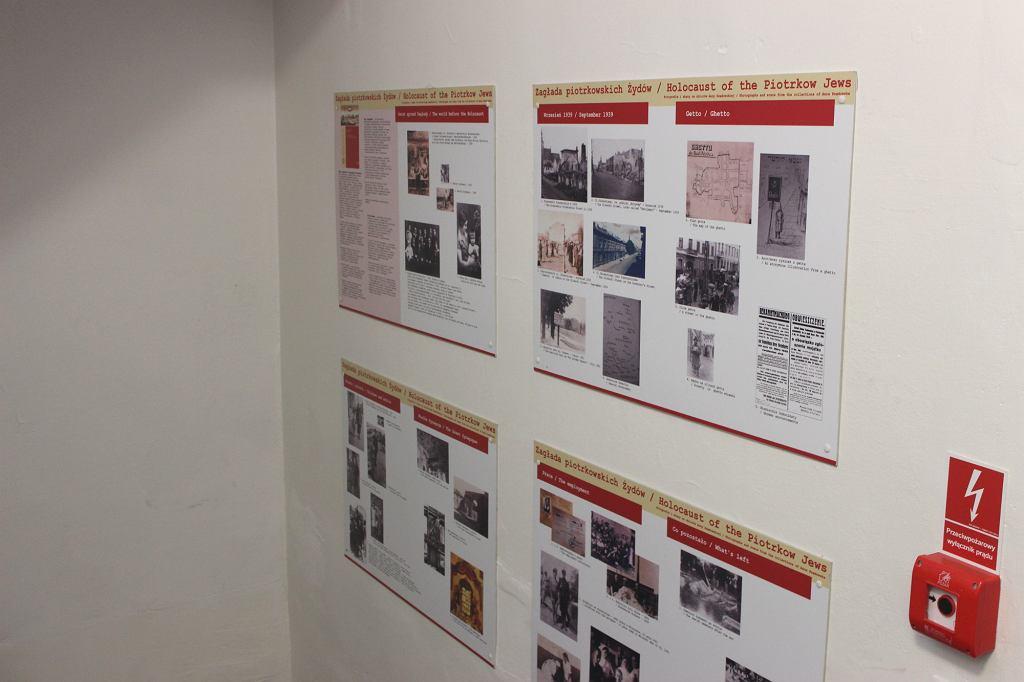 Wystawa poświęcona zagładzie piotrkowskich Żydów w miejscowej bibliotece (fot. Bartosz Józefiak)