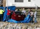 18-miesi�czne dziecko sp�dzi�o noc w samochodzie rozbitym w rzece. Dziewczynka prze�y�a