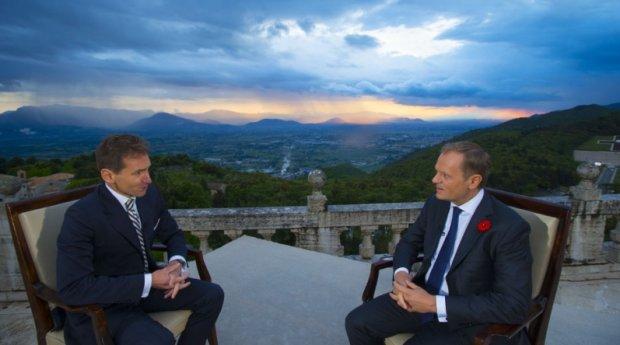 Premier udziela wywiad TVPInfo