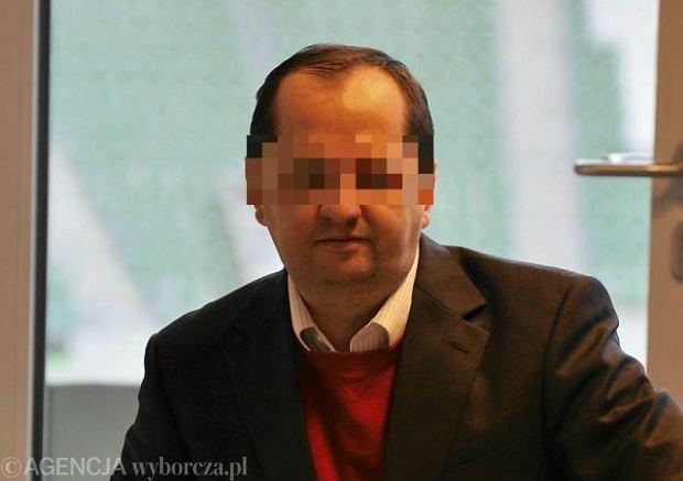 Piotr �. us�ysza� zarzut molestowania seksualnego. Grozi mu do 12 lat wi�zienia