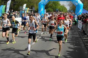Ponad 1100 biegaczy w szczeci�skim maratonie. Du�o atrakcji dla kibic�w i sportowc�w