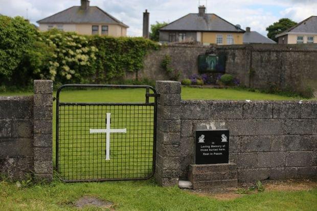 Komisja �ledcza zbada spraw� �mierci 800 dzieci w katolickim domu samotnej matki