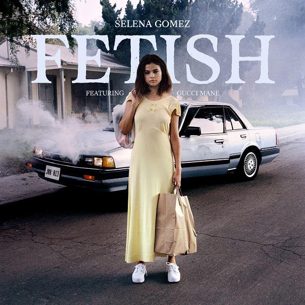 """Wokalistka opublikowała drugi teledysk do piosenki """"Festish"""". Tym razem Selena pokazała więcej niż usta."""