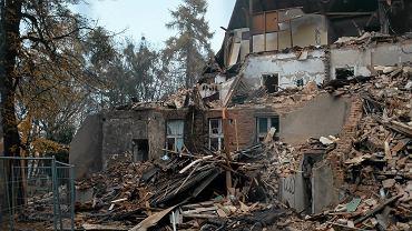 Trwa rozbiórka dawnego oddziału neurologii Szpitala Marynarki Wojennej. Zgodę na wyburzenie 100-letniej willi wydał konserwator zabytków.