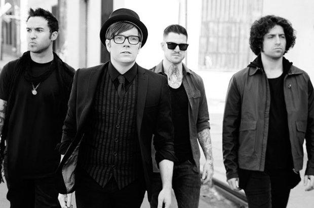 """Zespół Fall Out Boy opublikował kolejny utwór z płyty """"Make America Psycho Again""""."""
