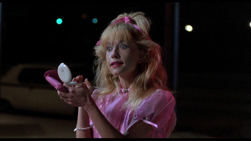 Linnea Quigley w filmie 'Noc demonów' / kadr z filmu, mat. wytwórni MGM