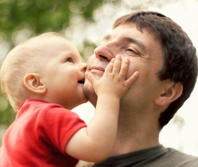 11cd9ae0 Opiekują się dziećmi, rodzicami, teściami. 6 mln kobiet i tylko 197 tys.  mężczyzn skorzystało z urlopu na dziecko
