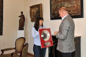 Rekordowe nagranie hymnu trafi�o do muzeum