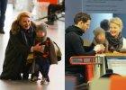 Paparazzi spotkali Ma�gorzat� Ko�uchowsk� z m�em i synem na lotnisku. Ca�ej tr�jce dopisywa� �wietny humor.