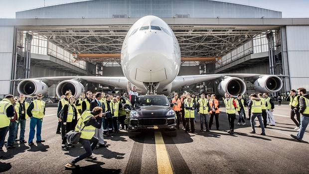 Wideo | Porsche Cayenne z rekordem Guinnessa