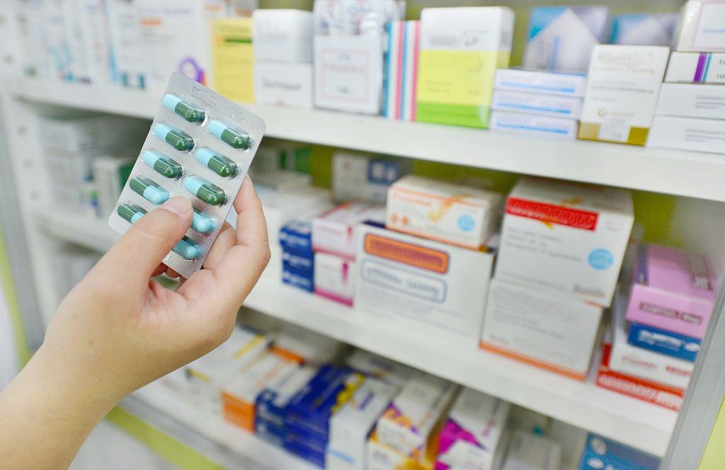 Antybiotyki stosowane są w nadmiarze, uznaje się, że nawet w 50 procentach przypadków stosowane są niewłaściwie lub niepotrzebnie (fot. shutterstock.com)