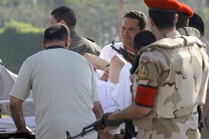 Mubarak wypuszczony z wi�zienia. Trafi do wojskowego szpitala?