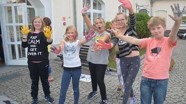 Program fundacji 'Krzyżowa' rozpoczął się po tym, jak nieopodal neonaziści zorganizowali muzyczny festiwal