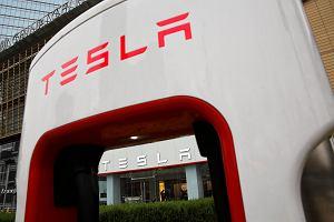 Tesla w tarapatach, czasowo wstrzymuje produkcję Modelu 3