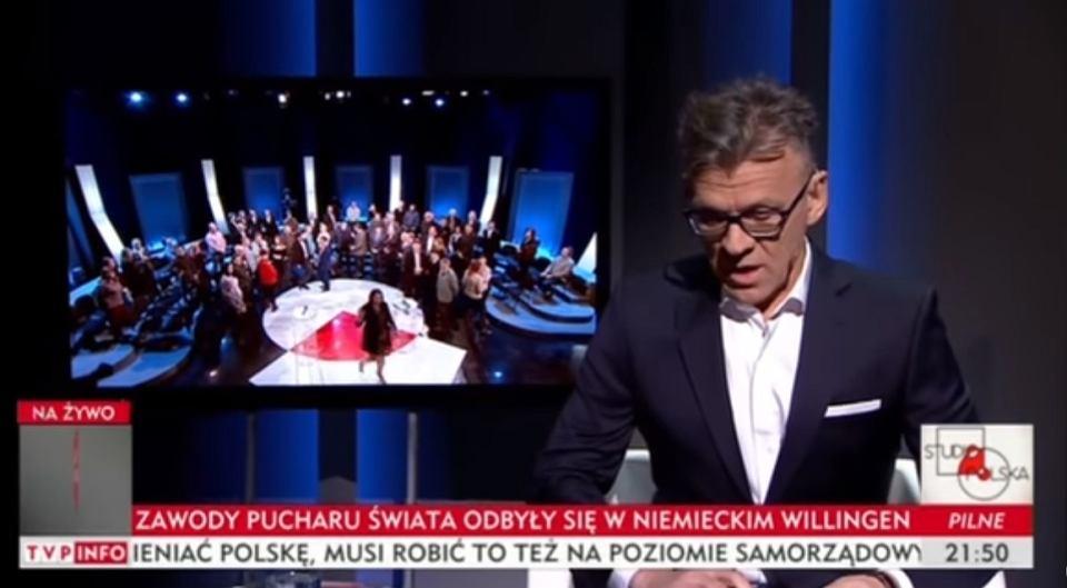 Maciej Pawlicki odczytuje komunikat o zatrzymaniu Ryszarda Petru