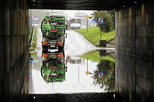 Tunele pod rondem Grunwaldzkim zostały zalane; pogotowie przeciwpowodziowe w Krakowie