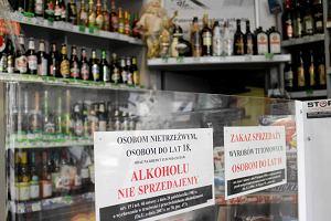 Jacek Karnowski walczy ze sklepami monopolowymi. Zmiany w ca�ej Polsce?