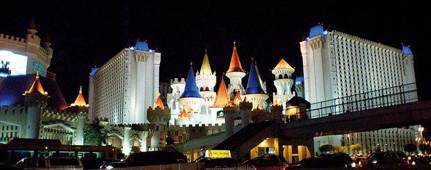 Lans Vegas - oaza seksu, hazardu i... głupoty, ameryka, podróże, Wieże Excalibura