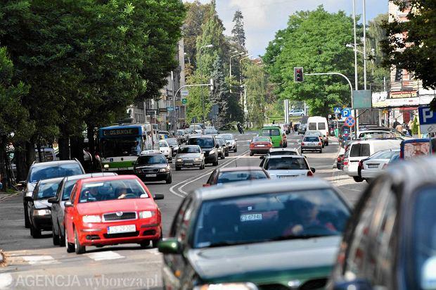 Dość al. Wojska Polskiego głównie dla aut! (Fot. Łukasz Węgrzyn / Agencja Gazeta)
