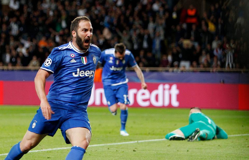Liga Mistrzów. Gonzalo Higuain po strzeleniu gola Monaco