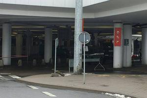 Akcja saperów na lotnisku przez zwykły kamień