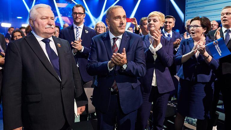 Lecha Wałęsa i politycy PO na konwencji w Gdańsku
