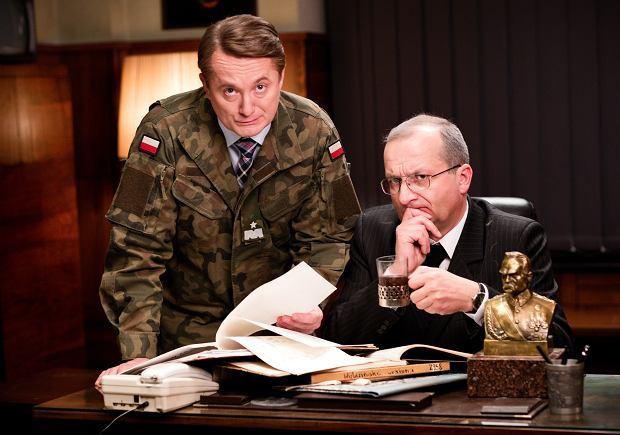 """""""Ucho Prezesa"""": premiera 3. sezonu. Mariusz w wojsku, Budnik jako Lubnauer, a do tego Pazura, Kot, Fraszyńska..."""