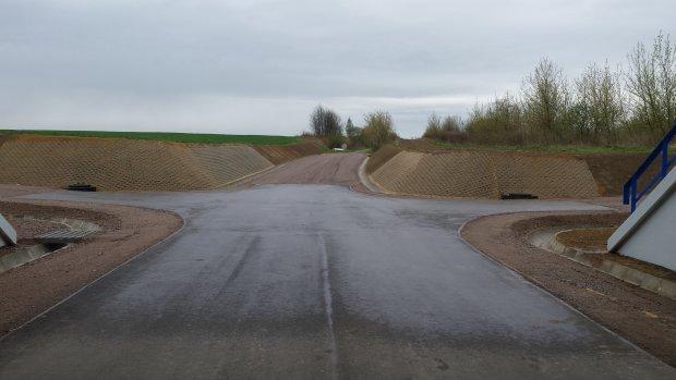 Rudna Wielka-przebudowane drogi równoległe do linii kolejowej oraz pod wiaduktem