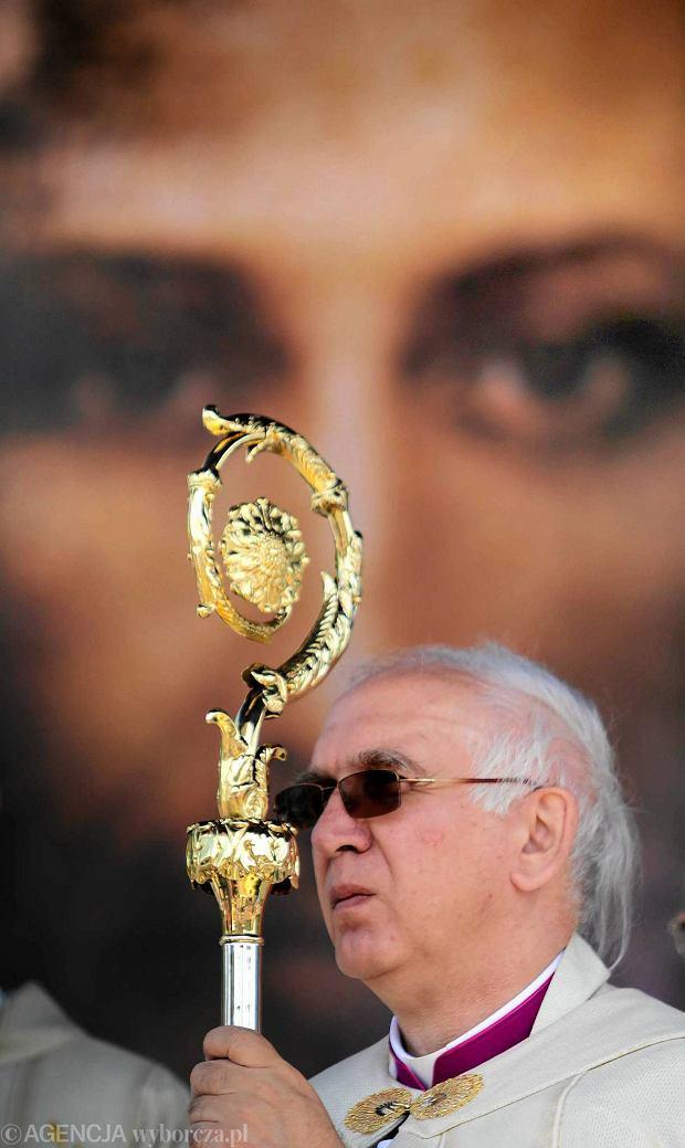 Zdjęcie numer 2 w galerii - Katolicyzm ponad Konstytucją RP? Abp Wacław Depo: Boleśnie powróciły wypowiedzi