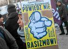 """""""Polski rząd nie reaguje na rasizm"""". Helsińska Fundacja Praw Człowieka prosi o interwencję"""