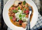 Obiad z gulaszem i pieczonymi warzywami