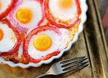 Jajka sadzone w pomidorach - ugotuj