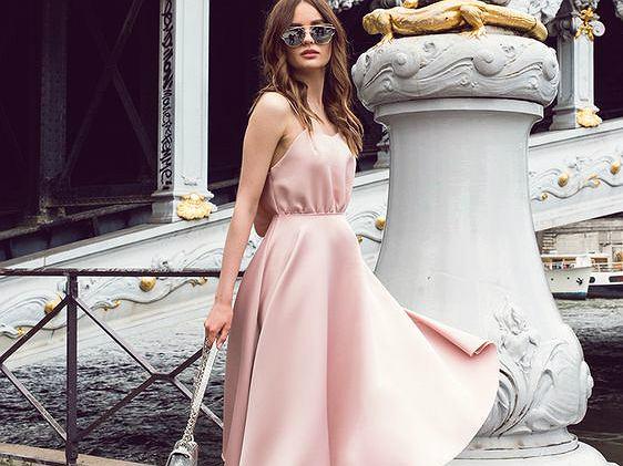 Sukienka pudrowy róż