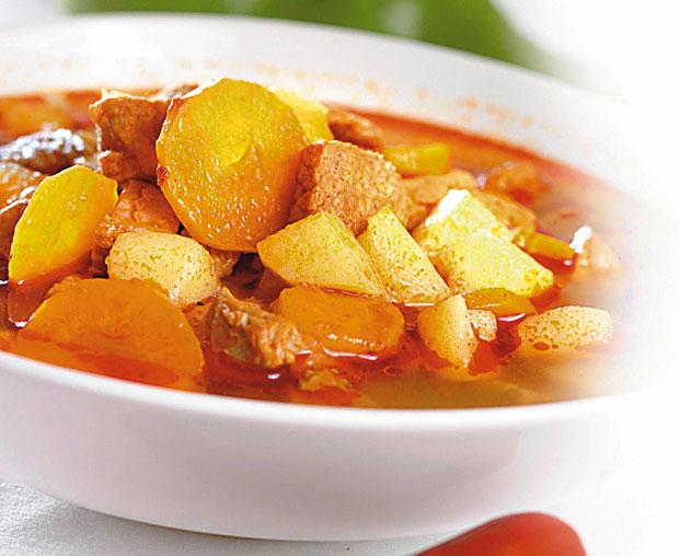 Papryczki chili: kuchnia ostra jak diabli, kuchnia, kuchnie świata, Gulyásleves