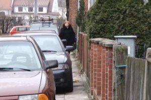 Zg�osi� �le zaparkowane auto. Po przyje�dzie policja wystawi�a 28 mandat�w