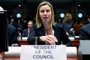 Unia symbolicznie karci Rosję, ale karę od razu zawiesza