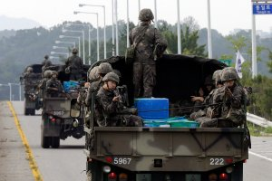Korea Północna straszy ostatecznym konfliktem i przerzuca wojska na granicę