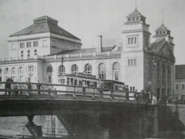 Zdjęcie numer 0 w galerii - Tramwaj B na Teatralnym, A - na Władysława IV [ARCHIWALNE ZDJĘCIA]