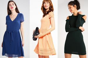 Sukienki z letnich wyprzedaży w cenach do 50, 100 i 150 zł