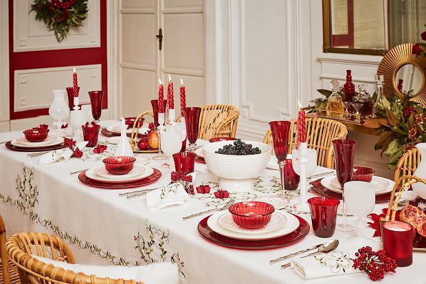 Zdjęcie numer 2 w galerii - Jak udekorować stół wigilijny? Nakrycie stołu na święta