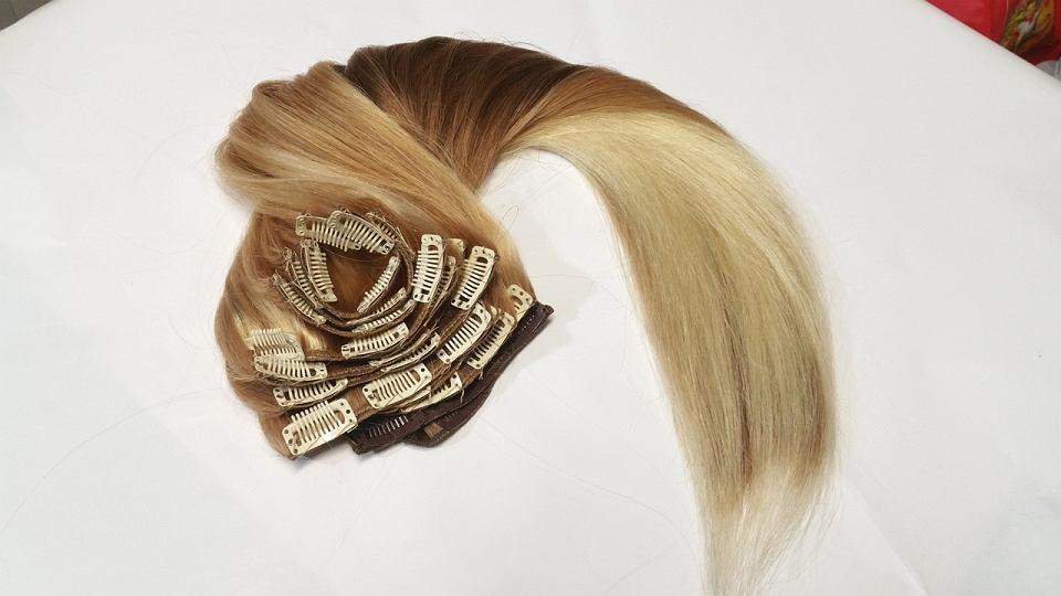 Przedłużanie włosów - metody, cena, ile się trzymają