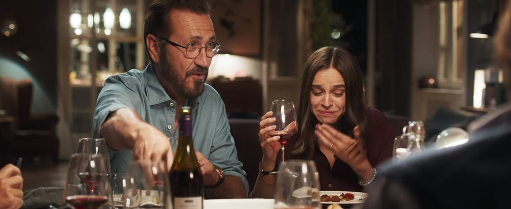 Kasia Smutniak w filmie 'Dobrze się kłamie w miłym towarzystwie' / screen z YouTube