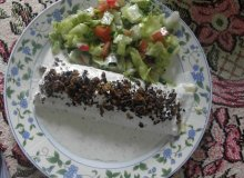 Naleśniki z kurczakiem i serem w sosie czosnkowym z prażoną cebulką - ugotuj