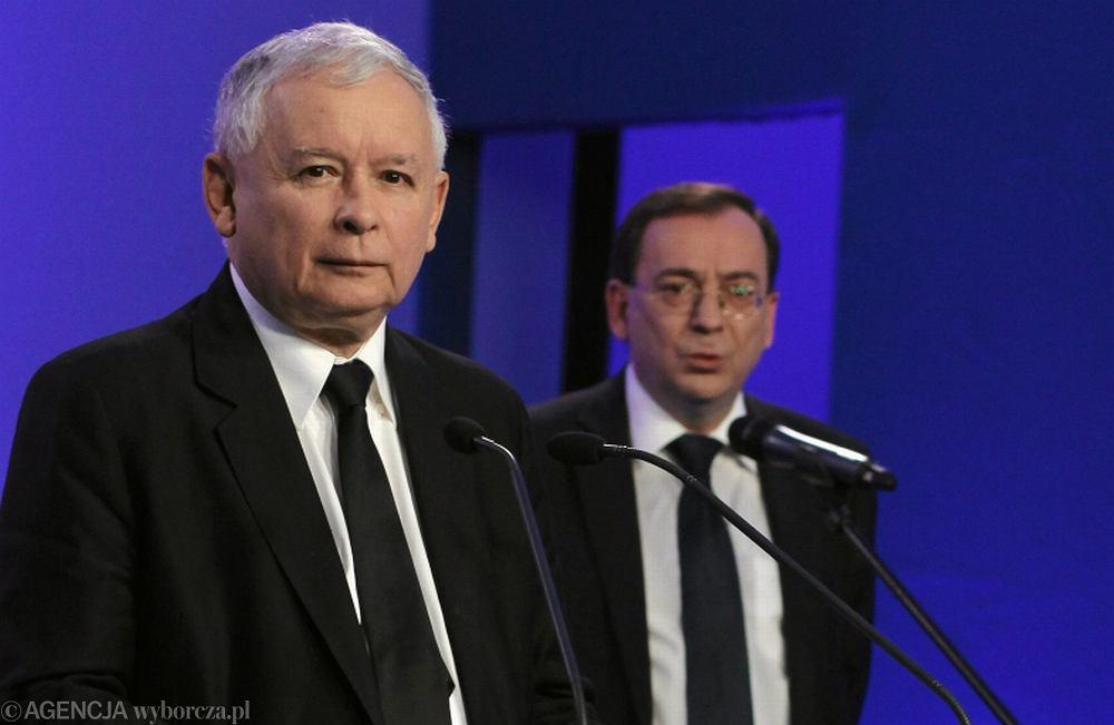 Jarosław Kaczyński i Mariusz Kamiński podczas konferencji prasowej
